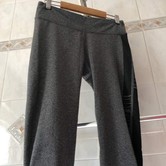 (2 items for $8)Aeropostale Cropped legging
